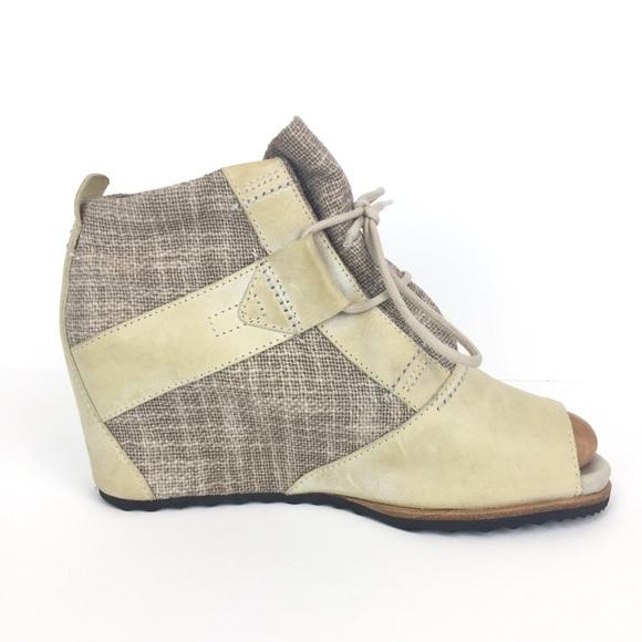 eec918defb4 Sorel Lake wedge peep toe leather & canvas boot